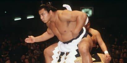 Le monde du sumo rend hommage à Chiyonofuji