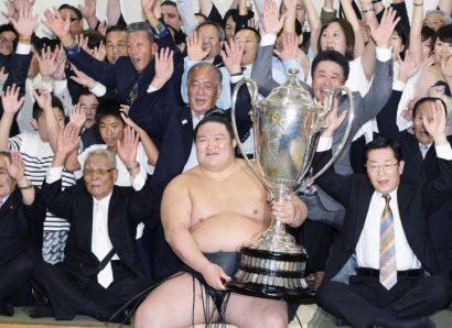 Goeido, vainqueur par zenshô yûshô