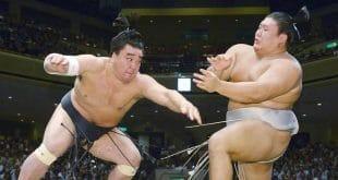 Harumafuji contre Takanoiwa