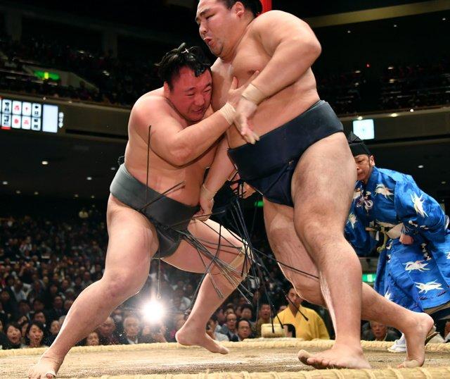 Arawashi contre Kakuryu