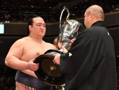 Kisenosato : yusho et bientôt yokozuna