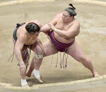 Mitakeumi remporte son premier kinboshi