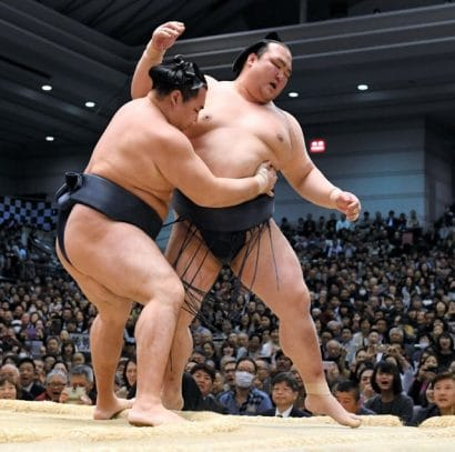 Terunofuji n'est plus qu'à une victoire du titre