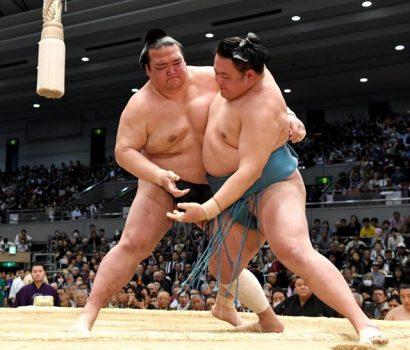 Le duo de leader reste inchangé : Kisneosato et Takayasu sont toujours invaincus.