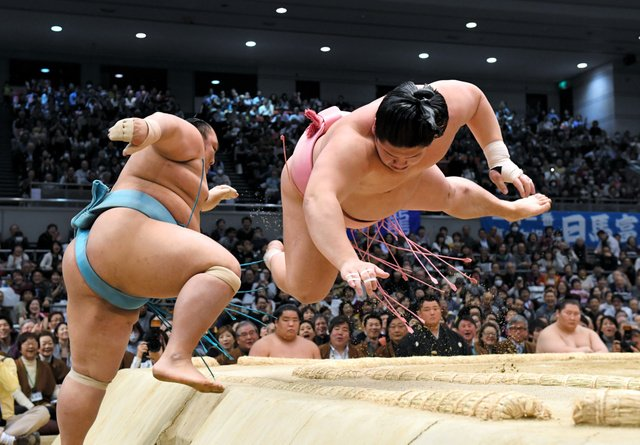 Ura contre Kotoyuki