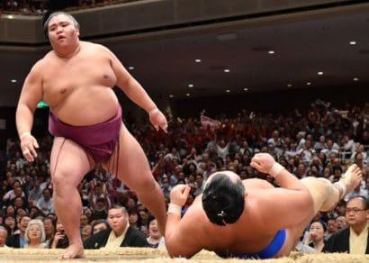 Goeido stoppe Onosho pour la première place