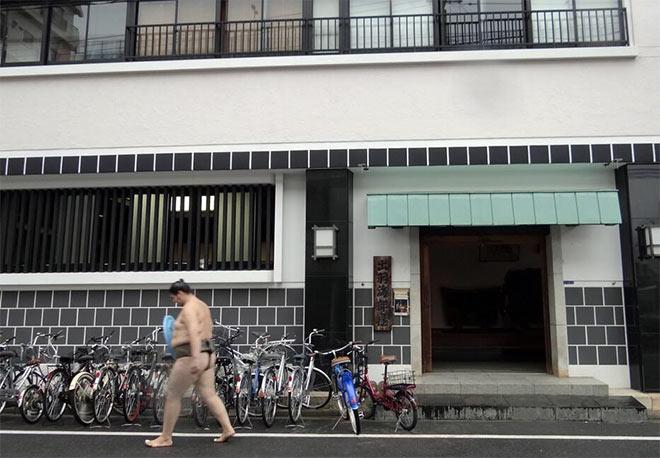 La sumo beya Dewanoumi à Ryogoku