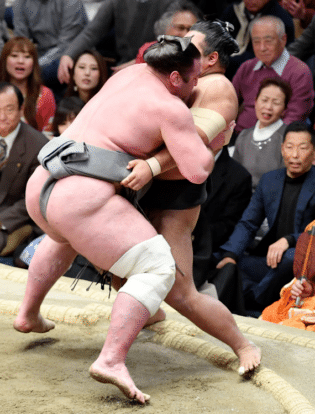 Tochinoshin remporte son 1er grand tournoi