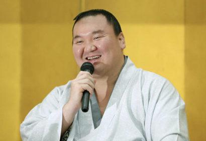 Hakuho se réjouit d'avoir encore écrit l'histoire