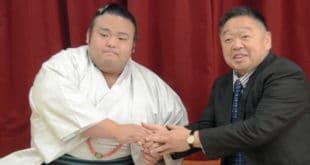 Takakeisho avec son nouvel oyakata