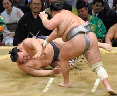 Kisenosato contre Hokutofuji