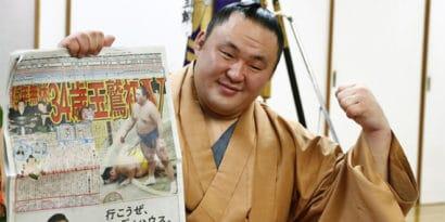 Le nouveau champion Tamawashi veut persévérer malgré l'âge