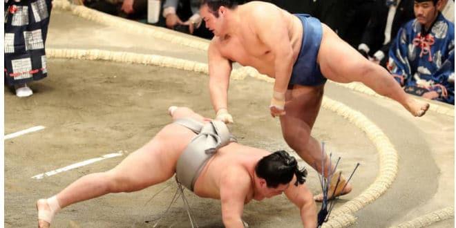 J9 – Hakuho creuse l'écart