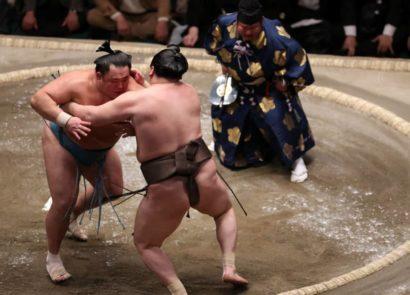Tamawashi repousse Hakuhô