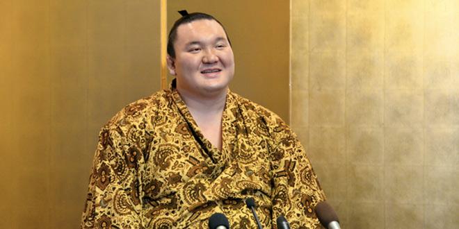Hakuho prolonge son record malgré une blessure