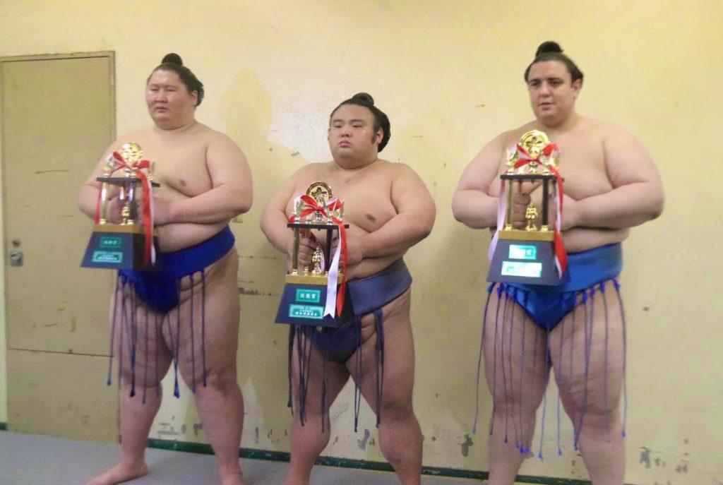Ichinojo, Takakeisho et Aoiyama
