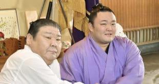 Asanoyama et Takasago oyakata