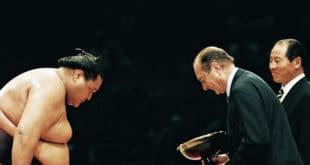 Jacques Chirac et Akebono (tournoi de sumo)