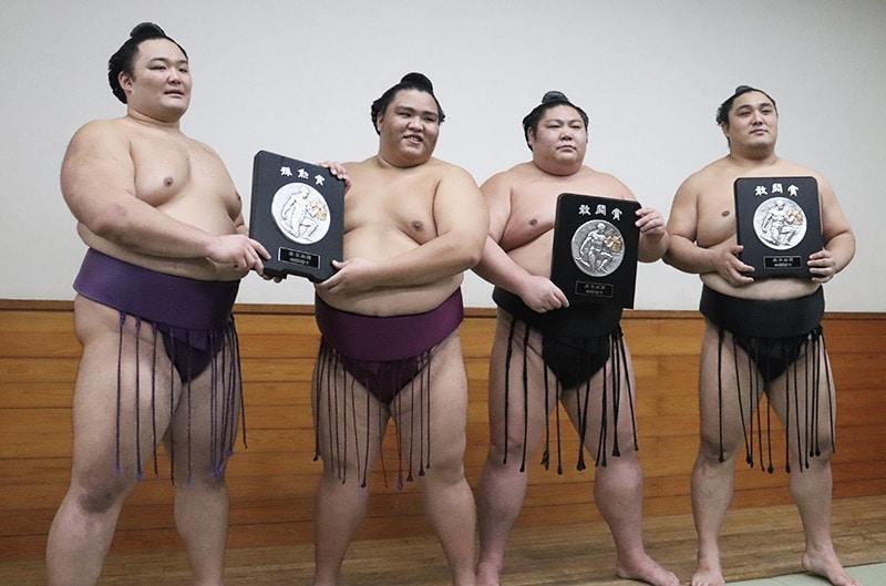 Les vainqueurs du aki basho 2019