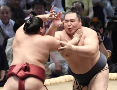 Kakuryû garde la tête du classement