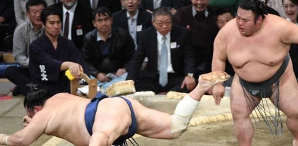 J9 – Asanoyama et Kagayaki continuent leur poursuite
