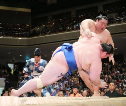 Aoiyama chute devant Tokushoryu