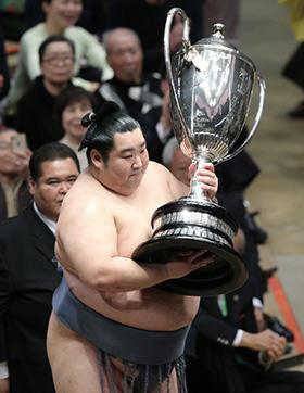 Tokushoryu remporte le tournoi de janvier 2020