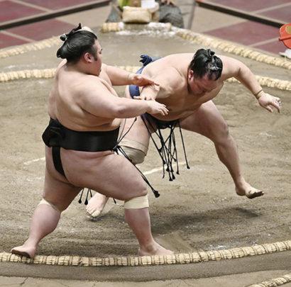 Takakeisho contre Hokutofuji