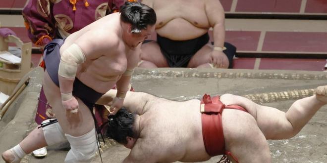 J9 – Terunofuji creuse l'écart