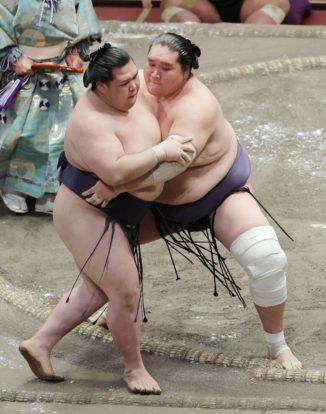 Terunofuji repousse Onosho