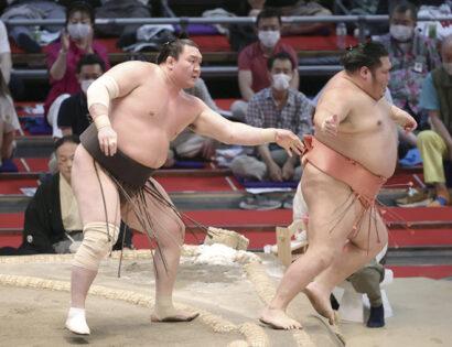 Hakuho contre Chiyotairyu