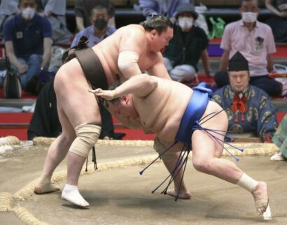 Hakuhô écrase Hokutofuji
