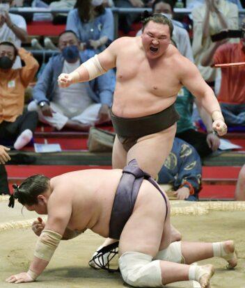 Le cri de victoire d'Hakuhô sur Terunofuji !