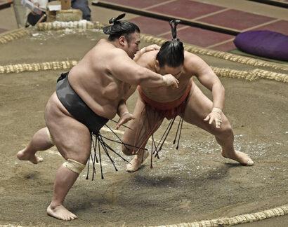 Takakeisho contre Hoshoryu