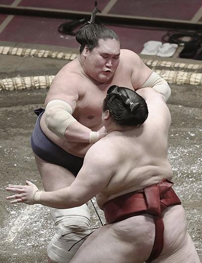 Terunofuji contre Takanosho