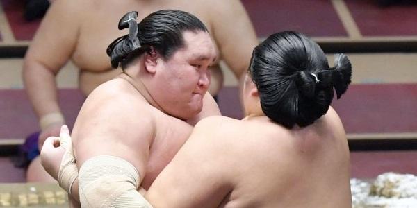 J7 – Une semaine sans défaite pour Terunofuji
