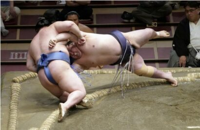 Onoshô repousse Shodai sur le fil